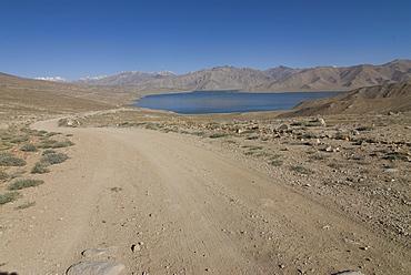 Road leading to Bulunkul lake, Bulunkul, Pamir mountains, Tajikistan, Central Asia