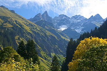Trettachspitze, Maedelegabel and Hochfrottspitze mountains as seen from Einoedsbach, Allgaeu High Alps, Oberstdorf, Allgaeu, Bavaria, Germany, Europe