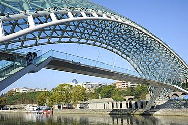 Bridge of Peace crossing the Mtkvari River, Presidential Palace, Tbilisi, Georgia, Middle East