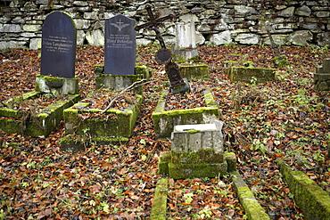 Abandoned cemetery, Joachimsthal, West Bohemia, Czech Republic, Europe