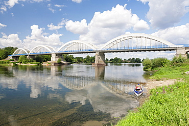 Bridge over the Loire at Muides sur Loire, Departement Loir-et-Cher, Region Central, France, Europe