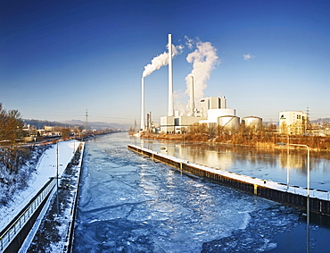 Electricity plant with frozen Neckar river, Altbach, Baden-Wuerttemberg, Germany, Europe