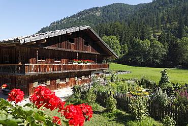 Lukashof farm and convent garden, Markus Wasmeier Farm and Winter Sports Museum, Schliersee, Mangfall Mountains, Upper Bavaria, Bavaria, Germany, Europe