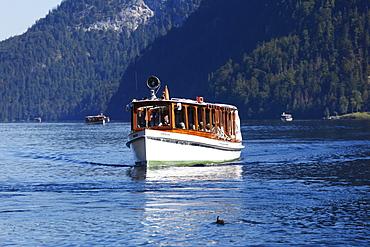 Motorboat on Koenigssee lake, Berchtesgaden National Park, Berchtesgadener Land, Upper Bavaria, Bavaria, Germany, Europe