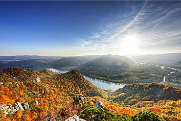 View from the pulpit at Vogelsberg mountain near Duernstein, Danube, Rossatz, Wachau valley, Waldviertel region, Lower Austria, Europe