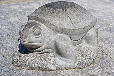 Turtle sculpture, Hanzas Skvers, Hansa Square, Rigas iela street, Daugavpils, Latgale, Latvia, Northern Europe
