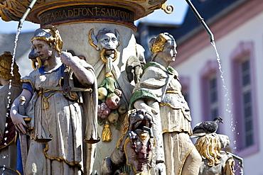 Detail, Petrusbrunnen, St. Peter's Fountain, Hauptmarkt square, Trier, Rhineland-Palatinate, Germany, Europe