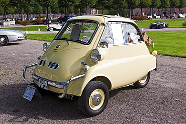 BMW Isetta 300, built in 1957, Germany, Classic-Gala, Concours d'Elegance in the Baroque castle gardens, Schwetzingen, Baden-Wuerttemberg, Germany, Europe