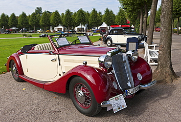 Horch 930 V Glaeser Roadster, built in 1937, Germany, Classic-Gala, Concours d'Elegance in the Baroque castle gardens, Schwetzingen, Baden-Wuerttemberg, Germany, Europe