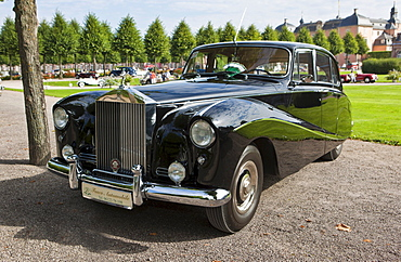 Rolls-Royce Silver Cloud I, built in 1955, GB, Classic-Gala, Concours d'Elegance in the Baroque castle gardens, Schwetzingen, Baden-Wuerttemberg, Germany, Europe