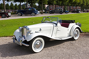 MG TD, built in 1952 GB, Classic-Gala, Concours d'Elegance in the Baroque castle gardens, Schwetzingen, Baden-Wuerttemberg, Germany, Europe