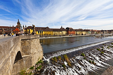 View from the Alte Mainbruecke Main river bridge on the old town of Wuerzburg, Bavaria, Germany, Europe