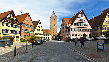 Historic district of Dinkelsbuehl, Woernitztor gate at the back, administrative district of Ansbach, Middle Franconia, Bavaria, Germany, Europe