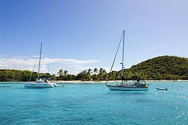 Sailboats on a sailing trip, Salt Whistle Bay, Tobago Cays, Mayreau, Saint Vincent, Caribbean