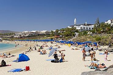 Sandy beach, Playa Dorada, Playa Blanca, Lanzarote, Canary Islands, Spain, Europe
