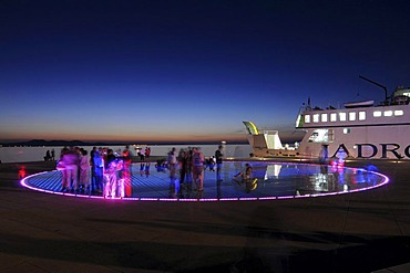 Historic town centre, evening mood, Greeting to the Sun, an installation by the architect Nikola Baoei&, Zadar, Croatia, Europe