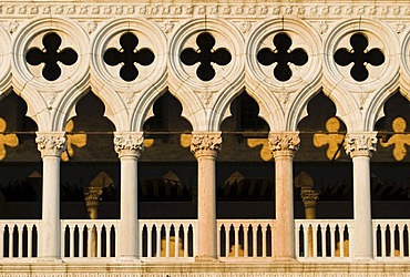 Architectural detail of Gothic facade of Palazzo Ducale, Doge's Palace, Piazza San Marco, St. Mark's Square, Venice, Italy, Europe
