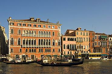 Gothic Palazzo Bembo, 15th century Palace in San Marco district near Rialto Bridge, Grand Canal, Venice, Veneto, Italy, Europe