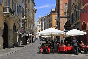 Sidewalk cafe in the historic town centre of Parma, Emilia Romagna, Italy, Europe