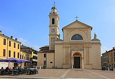 Church and church square, known from the Don Camillo and Peppone novels, Brescello, Emilia Romagna, Italy, Europe