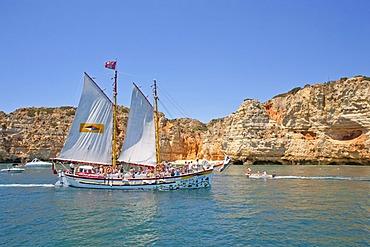 Boat trip to the cliffs, Ponta de Piedade, Lagos, Algarve, Portugal, Europe