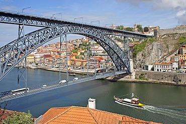 Dom Luis I Bridge to Vila Nova de Gaia, Porto, Portugal, Europe