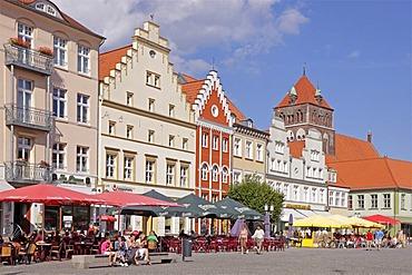 Market square and St. Marien Kirche church, Greifswald, Baltic coast, Mecklenburg-Western Pomerania, Germany, Europe