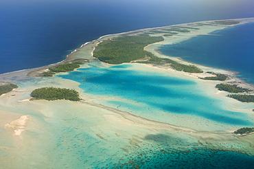 Blue Lagoon, Rangiroa, Tuamotu Archipelago, French Polynesia, Pacific Ocean