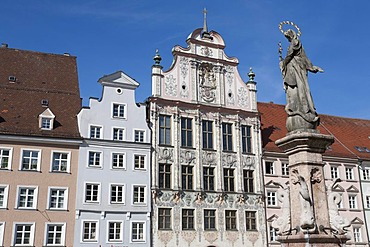 Marienbrunnen fountain, houses on the main square, the historic town hall in the middle, Landsberg am Lech, Bavaria, Germany, Europe