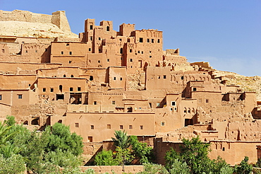 Mud-brick city of Ksar Ait Benhaddou with many Kasbahs, residential castles of the Berbers, built interconnected with one another, Ait Benhaddou, South Morocco, Morocco, Africa