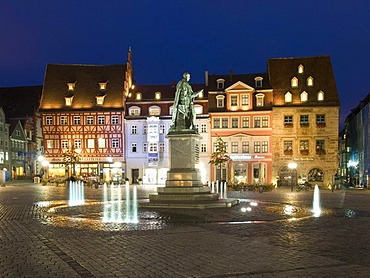 Prince Albert memorial in the market place, Coburg, Franconia, Bavaria, Germany, Europe