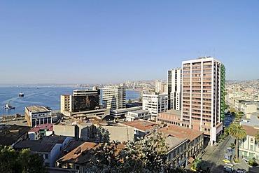 Pacific Ocean, port, city panorama, Valparaiso, Chile, South America