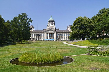 The Hanseatic Higher Regional Court on Sieveking-Platz square in Hamburg, Germany, Europe