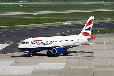 Airport, aircraft, British Airways airline, G-EUPS, Duesseldorf, Rhineland, North Rhine-Westphalia, Germany, Europe