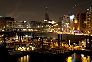 Cityscape, harbour, St. Michaelis Church, night shot, Hamburg, Germany, Europe