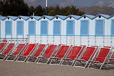 Sun loungers on the beach and beach cabins, Albenga, Riviera, Liguria, Italy, Europe