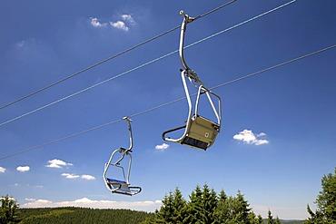 Chair lift on Herrloh Mountain, Winterberg, Sauerland, North Rhine-Westphalia, Germany, Europe