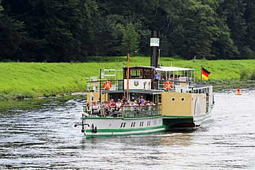 Paddle steamer, PD Kurort Rathen, on the Elbe River, built in 1896, Dresden, Saxony, Germany, Europe