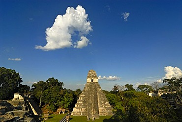 Maya, pyramid, calendar, 2012, Temple of the Great Jaguar, Tikal, Peten, Guatemala, Central America