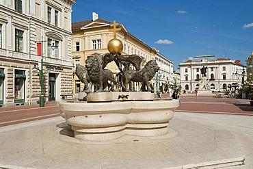 Lion fountain, Klauzal ter, Klaus square, Szeged, Hungary, Europe