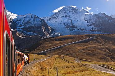 Mt Moench seen from Kleiner Scheidegg mountain pass, Bernese Oberland, canton of Bern, Switzerland, Europe