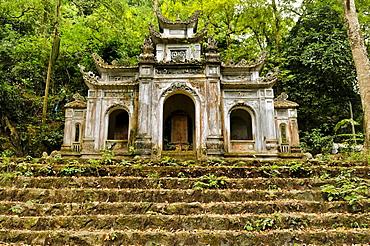Perfume Pagoda, near Ninh Binh, dry Halong Bay, Vietnam, Southeast Asia
