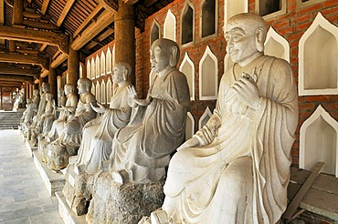 Alabaster statues inside the Chua Bai Dinh pagoda, currently a construction site, to become one of the largest pagodas of Southeast Asia, near Ninh Binh, Vietnam, Southeast Asia