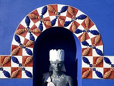 Bust of a Native American under Azulejos, traditional tiles from Portugal, Park Modo Verde, Landgraaf, Limburg, Netherlands, Europe