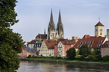 Historic district, view across the Danube River, Weinlaende harbour, the historic Rathausturm tower and Regensburg Cathedral, UNESCO World Heritage, Regensburg, Upper Palatinate, Bavaria, Germany, Europe