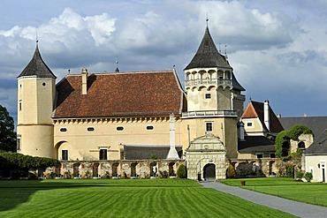 Renaissance castle Rosenburg am Kamp, Rosenburg-Mold, Kamp Valley Nature Park, Waldviertel region, Lower Austria, Austria, Europe