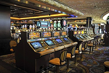 Slot machines in the 5-star Mirage Hotel, Las Vegas, Nevada, USA, North America