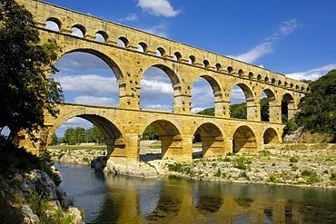 Pont du Gard, Roman aqueduct, Gard department, Provence, France, Europe