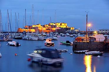 The fortress of Castle Cornet at the port, sailboats, marina, main port, St. Peter Port, Guernsey, Channel Islands, Europe