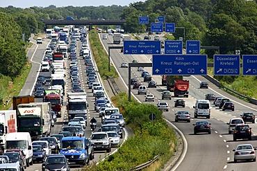 Traffic jam on the A3 motorway, Breitscheider Kreuz junction in direction of Oberhausen, Ratingen, North Rhine-Westphalia, Germany, Europe